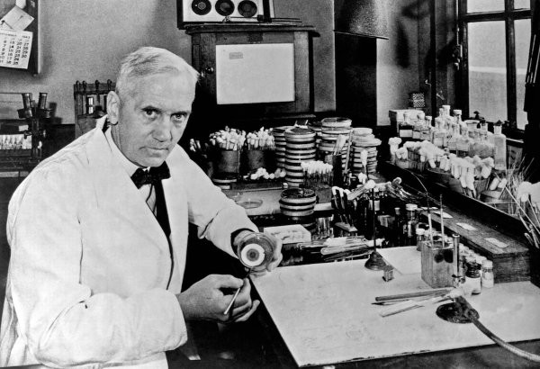 medicine-history-the-queer-story-of-sir-alexander-fleming's-discovery-of-penicillin